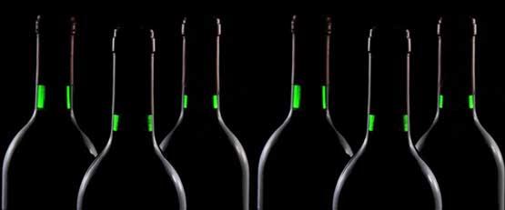 Menacé par le réchauffement climatique, le vin se réinvente