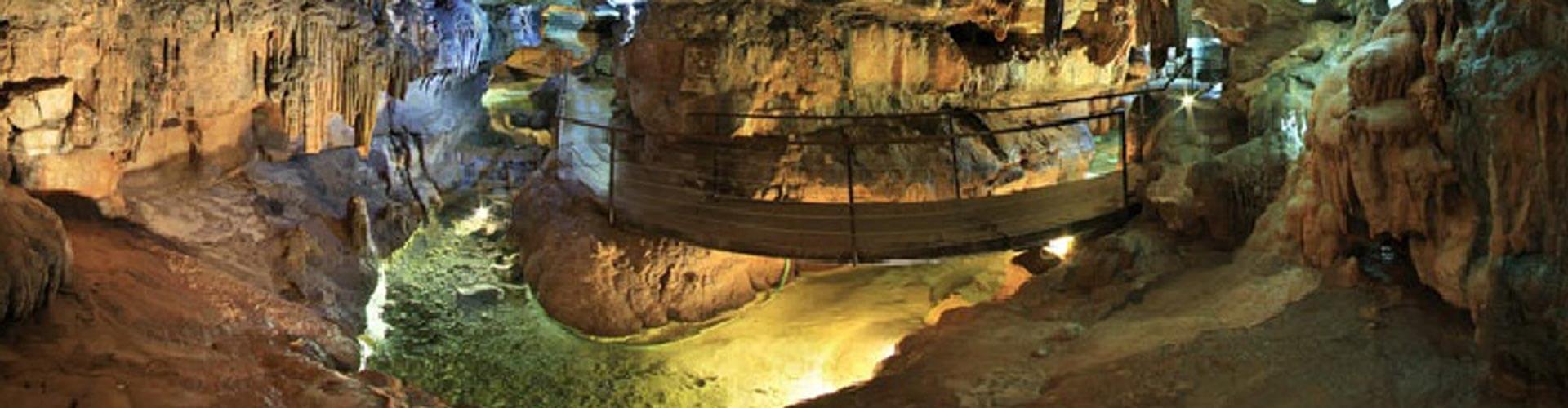 Grotte de Labeil à Lauroux
